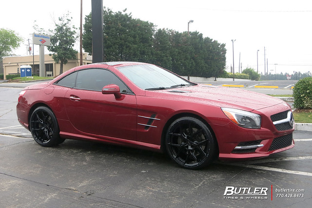 Mercedes SL400 with 20in Vossen HF5 Wheels and Michelin Pilot Sport 4S Tires
