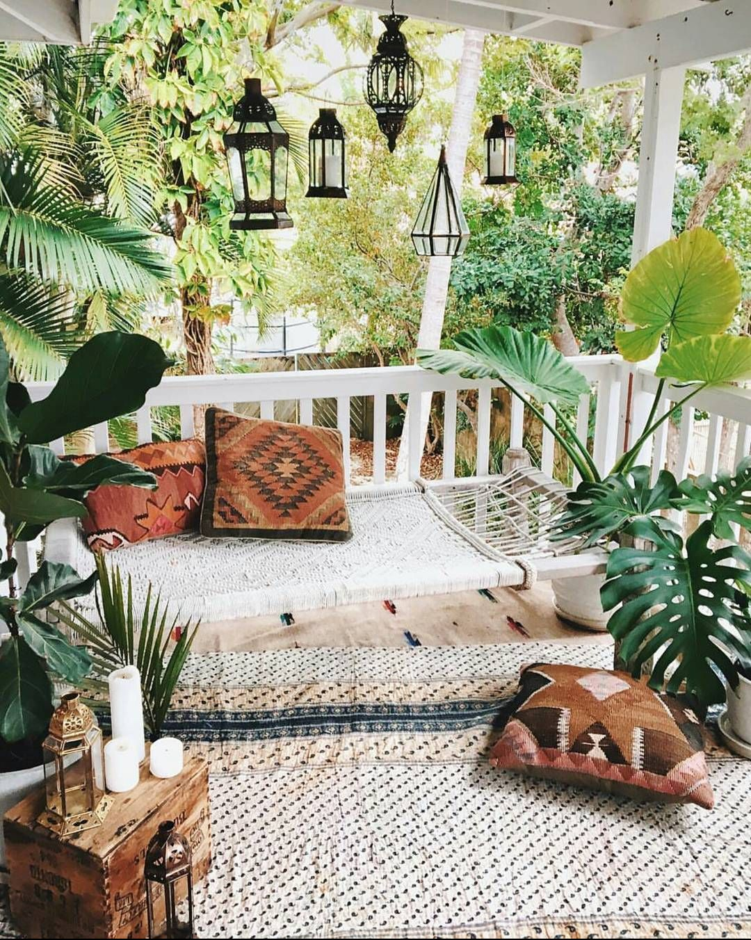 Outdoor Front Porch Ideas | Outdoor Decor | Outdoor Oasis Backyard | Super Chic Backyard Ideas | Outdoor Space Inspiration | Dream Backyard | 5 Tips for Creating a Cozy Outdoor Oasis at Your Home | Backyards that Inspire Me | Terrace | Porch | Patio Renovation | Patio Remodel | Best Decorated Small Backyards on Pinterest | Boho Patio Inspiration | Outdoor Furniture Inspiration | Bohemian Outdoor Decor