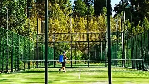 Pistes de #Pàdel i #Tennis obertes amb totes les mesures de #desinfecció #Gelida #Penedès