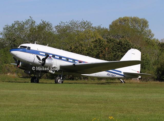 Douglas DC3                             N61981