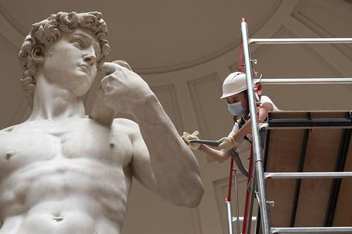 """ROMA ARCHEOLOGIA e RESTAURO ARCHITETTURA 2020: Riaprono i principali musei di  Italia & Roma, più visitatori nelle aree archeologiche. La Repub. (01/06/2020) & """"La Bellezza ci salverà! Aiutiamo la nostra Bellezza!"""", in: Paola Di Silvio, Fb (15/04/2020)."""