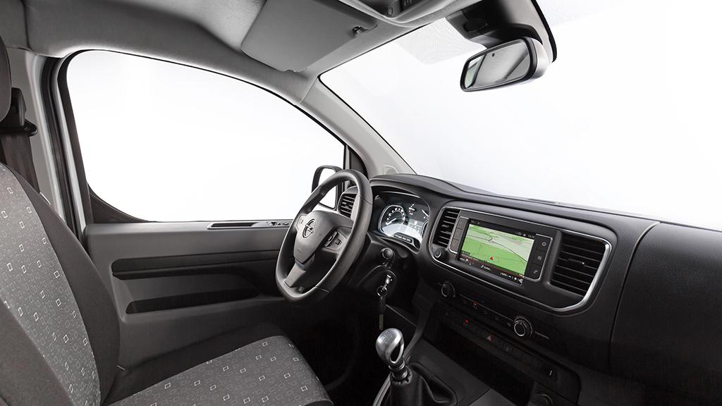Opel Vivaro получил пассажирскую версию Kombi