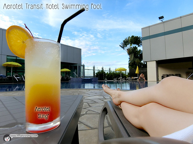 aerotel-transit-hotel-changi-swimming-pool