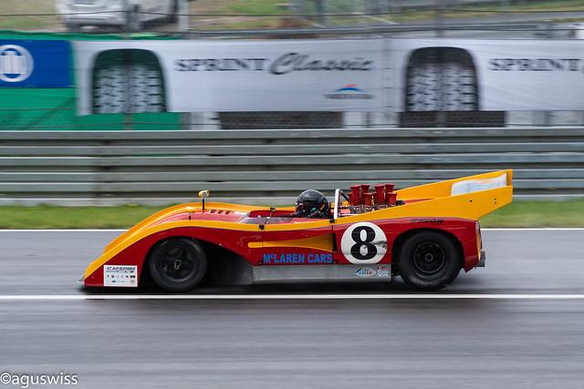 Roaring V8 - McLaren