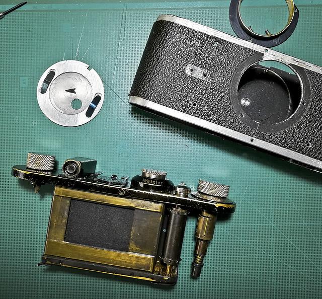 Les entranyes de la Leica / Leica I innards