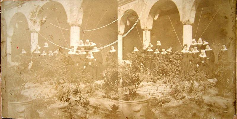 Comunidad de religiosas Comendadoras de Santiago en el Convento de Santa Fe a finales del siglo XIX. Colección de Rosalina Aguado