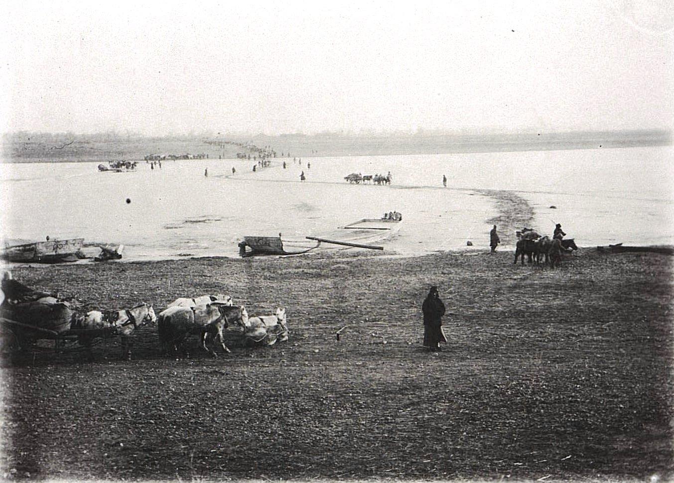 21. Переход через реку Сунгари между городами Улу-Гай и Гирином. Ноябрь 1900