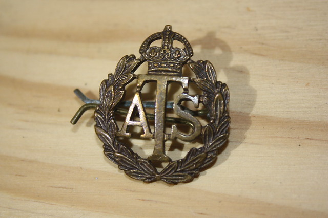 Kings Crown British ATS Cap Badge 1940's.