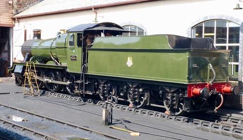 9351 'Great Western Railway' (GWR) inspired  2-6-0 Mogul /2 on Dennis Basford's railsroadsrunways.blogspot.co.uk'