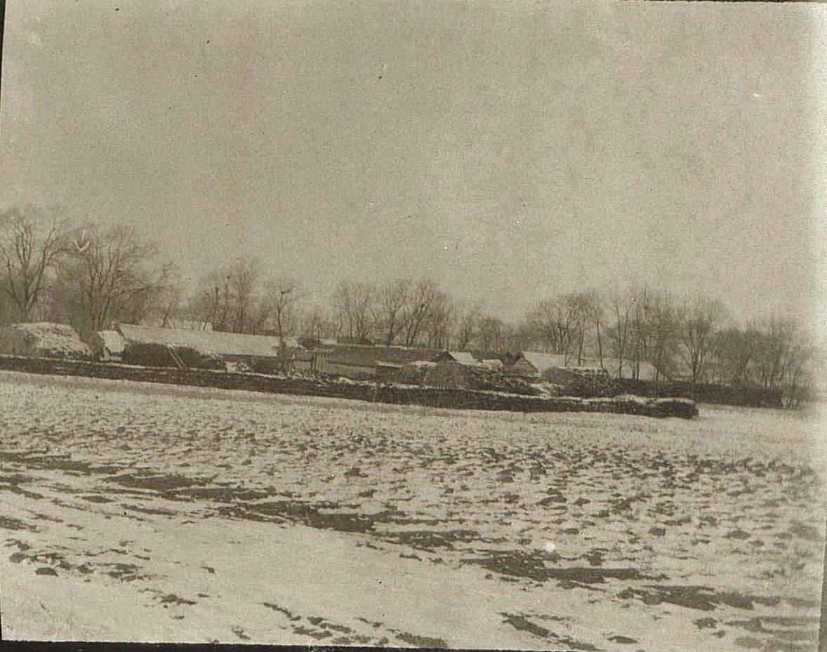 10. Китайская деревня по пути из города Талад-Жоу в город Ши-Си-Дян-Дза. Ноябрь 1900
