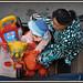"""En promenade en cyclo dans une rue de """"Chau Doc"""" avec Mamy et mes jouets ."""