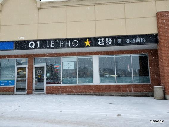 Q1 Le Pho Vietnamese restaurant storefront