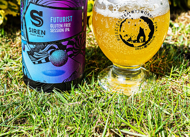 Close Up - Can of Siren's Futurist - Session IPA ( 4.8% with a hint of grapefruit - orange & vanilla) (Ricoh GR III)