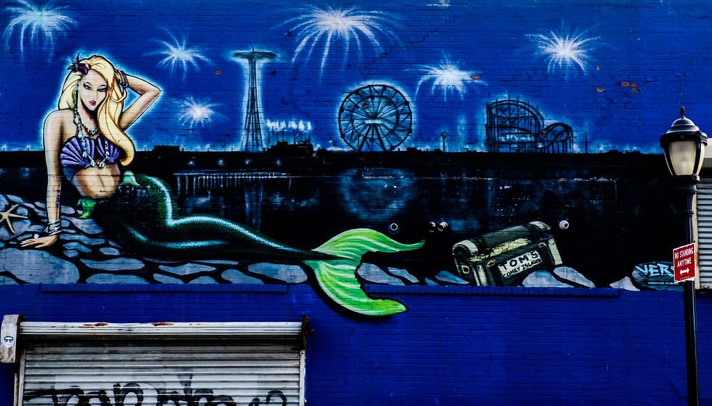Walk In New York - 2019 - Coney Island - Sirene -  Tom's Fresque