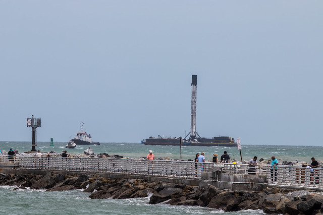 SpaceX DM-2 Booster 1058 returns