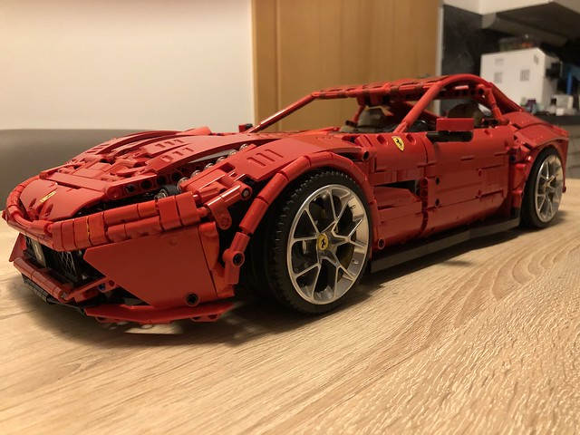 Fankei from Rebrickable recently built the Ferrari F12 👌