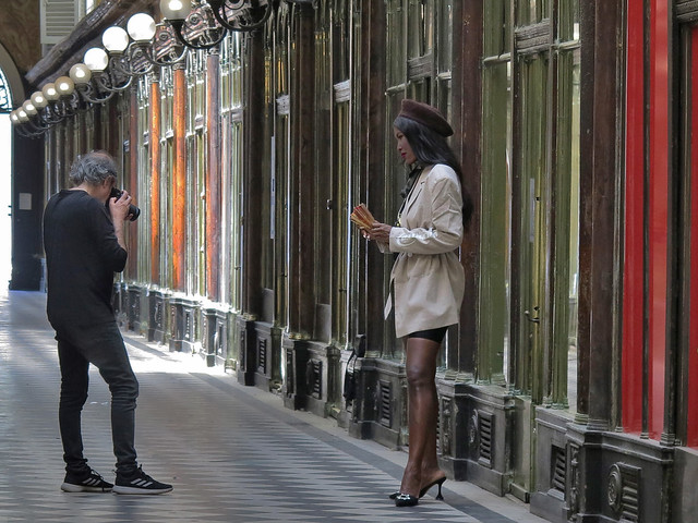 Photographing a black model in the Galerie Véro-Dodat