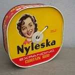 Wed, 2017-04-19 11:18 - Vintage Yellow & Red 1950's Tin Advertising Nyleska Expanding Curtain Rod Car Boot Sale Find in Mint Condition ...i'm sure there will be comments about this !