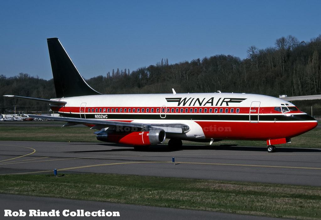 Winair B737-247 N902WC