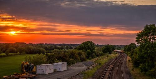 sunset evening sun sky skyscape leicestershire landscape landschaft railway railroad rail rural countryside train trees track fujifilm fuji xt2