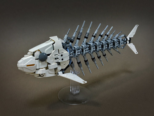 LEGO-Mecha-Skeleton-fish-02