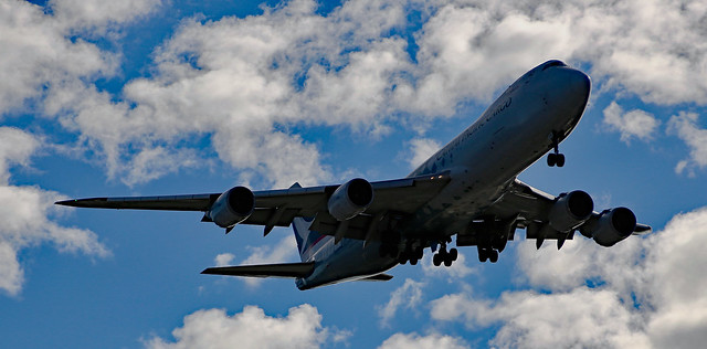 Cathay Pacific Cargo's Boeing 748F, B-LJA, about to land in Sydney Airport