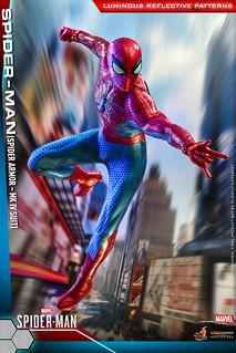 在特製燈光下才會顯現的細膩紋理! Hot Toys - VGM43 -《漫威蜘蛛人》蜘蛛人(蜘蛛裝甲馬克4) Spider-Man (Spider Armor - MK IV Suit) 1/6 比例人偶
