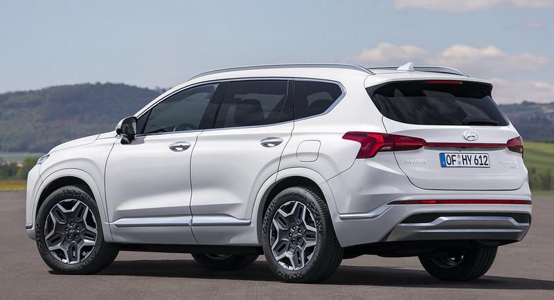 2021-Hyundai-Santa-Fe-19-2