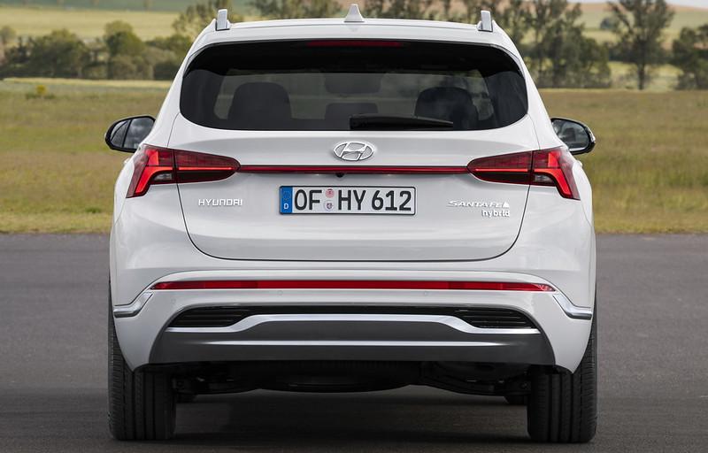 2021-Hyundai-Santa-Fe-13-2