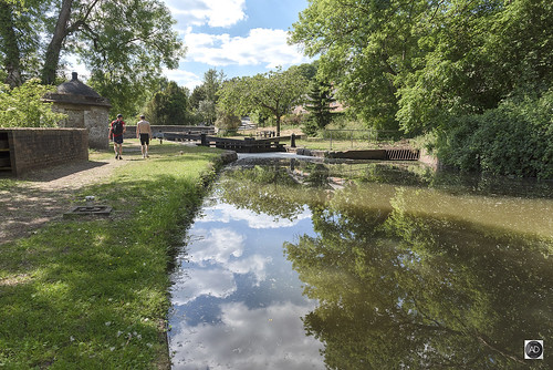 landscape scenery canal cheshire england uk water reflections towpath grass banks moorings lock lockgates trees people shade location countryside hiking outdoors freshair peace quiet replenishment shropshireunioncanal waterways