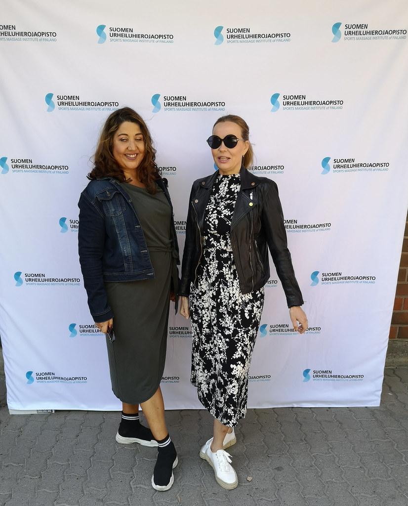 Ekat post-korona poseeraukset - Business Woman & Mia Malmi @mystylehelsinki
