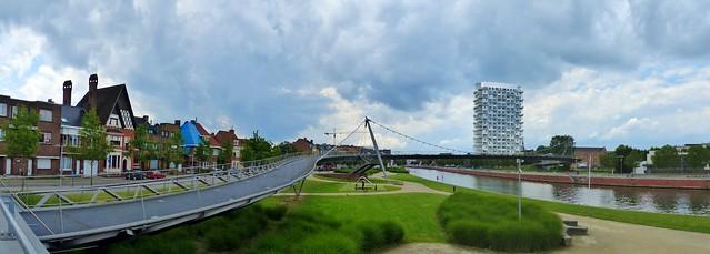 Kortrijk - Fiets en voetgangersbrug over de Leie