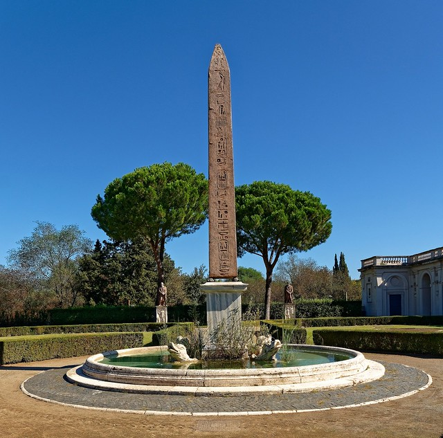 Rome - Pincio / The Obelisk of the Medici Villa