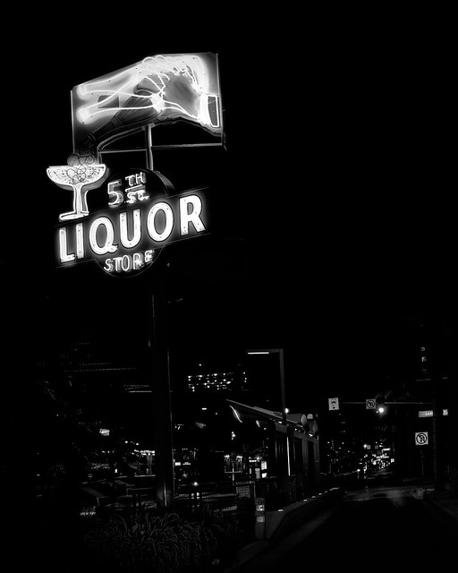 02469376423119916-125-20-06-Liquor Store Downtown Vegas-2-Black and White