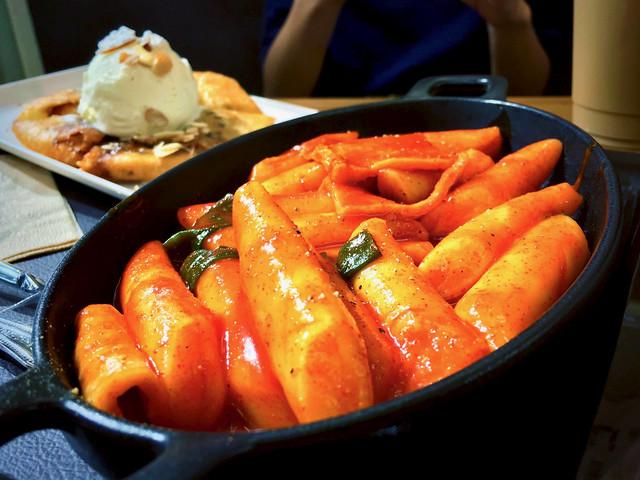 Korean Rice Cake (Tteokbokki 떡볶이) from sammat hotteok 三味糖餅 (삼맛호떡)