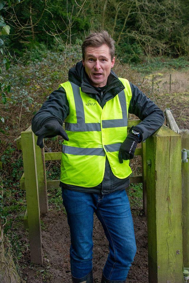 Len volunteer