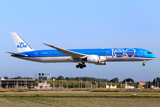 KLM Royal Dutch Airlines  Boeing 787-10 Dreamliner PH-BKA