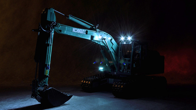 Kobelco by night