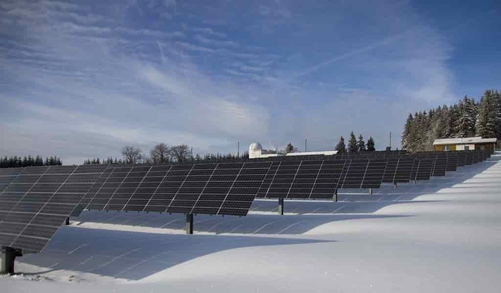 Des panneaux solaires qui suivent le Soleil