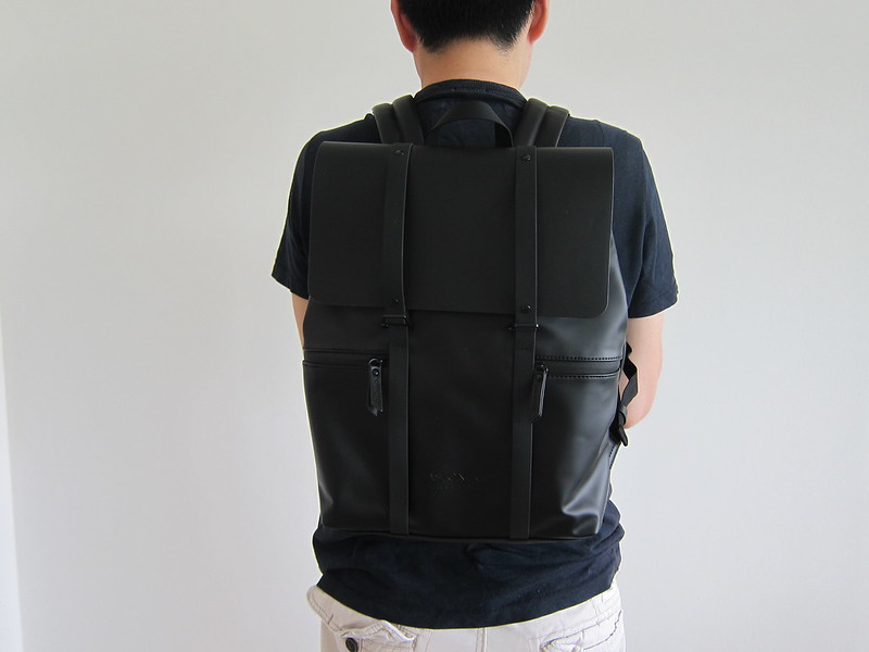 Gaston Luga - Splash Backpack - Wearing It - Back