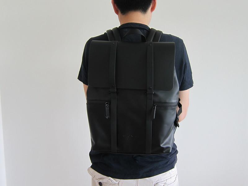 Gaston Luga - Splash Backpack - Wearing It - Back
