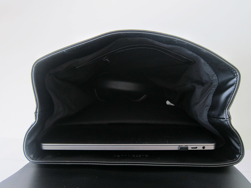 Gaston Luga - Splash Backpack - Open With MacBook Pro 15 Inch