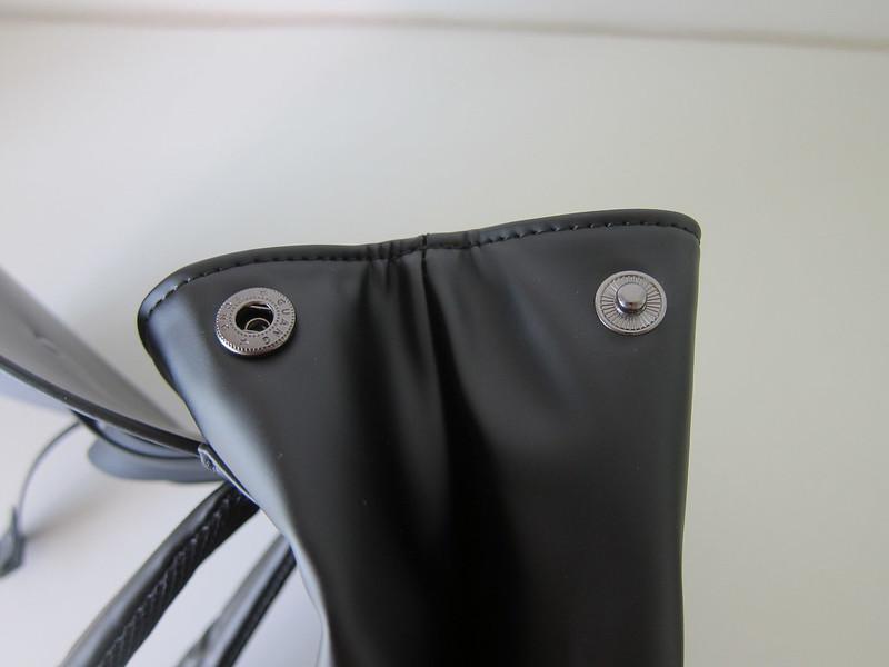 Gaston Luga - Splash Backpack - Side Button