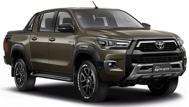 2021-Toyota-Hilux-18