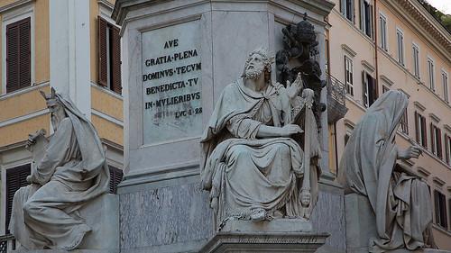 Colonna Dell'Immacolata a Piazza Mignanelli - Rome Immaculate Conception column in Piazza Mignanelli -  RomaColonne de l'Immaculée Conception  sur la Piazza Mignanelli