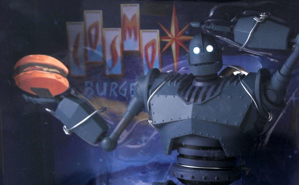 情急之下的超有趣偽裝造型現身! Diamond Select Toys《鐵巨人》鐵巨人 (Iron Giant) 可動人偶「Cosmo Burger」盒裝版本!【2020 SDCC 限定】