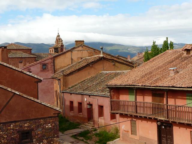 Madriguera, uno de los pueblos rojos de Segovia