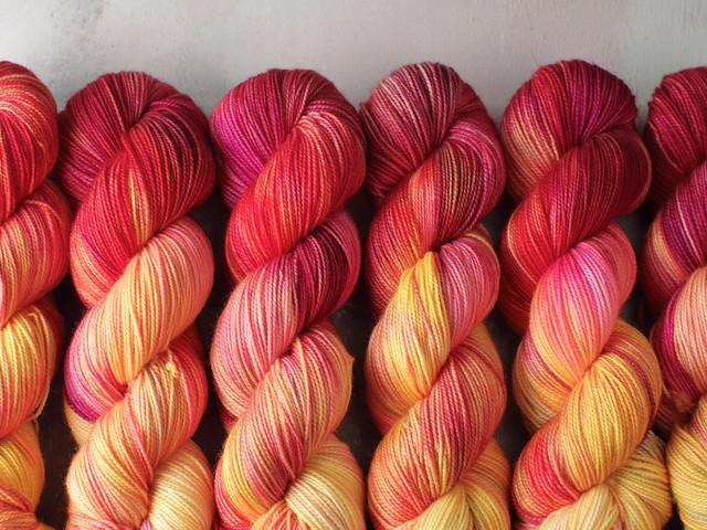 Favourite Sock – hand-dyed superwash merino wool yarn 4 ply/fingering 100g – 'Desert Fire'