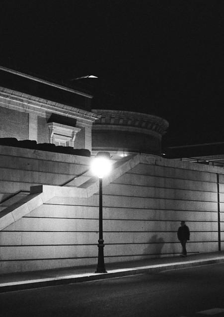 Paseo nocturno - Olympus Pen F - TriX