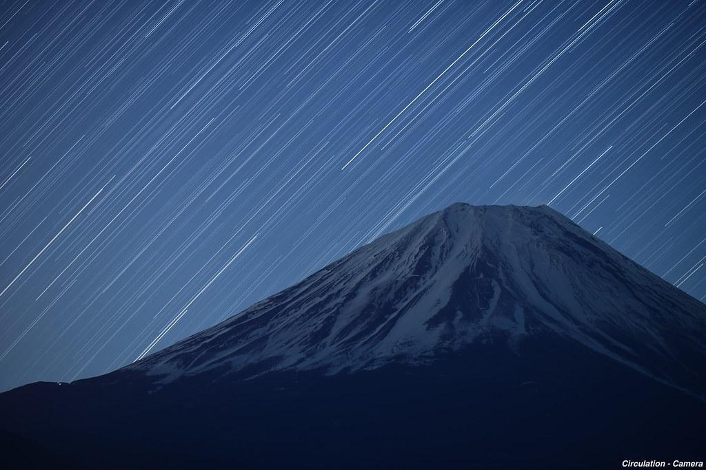 135mm富士山と星20分 sign
